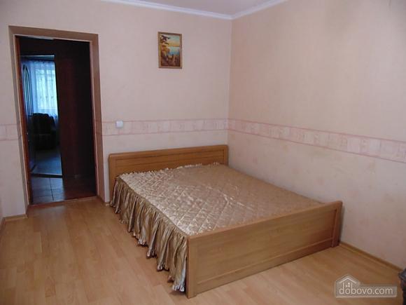 Затишна квартира поруч з Донецьким Національним Університетом, 2-кімнатна (56251), 003