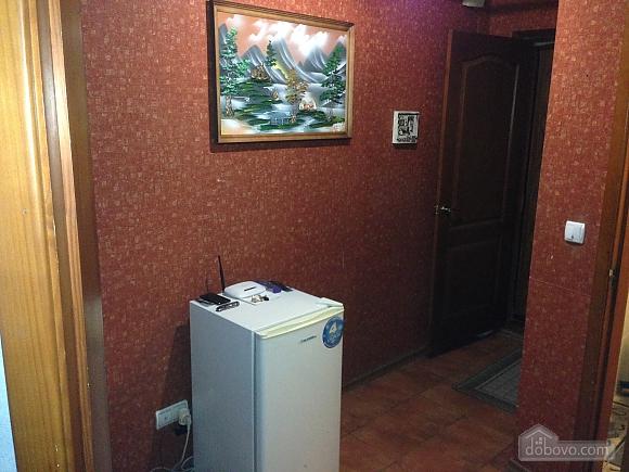 Затишна квартира поруч з Донецьким Національним Університетом, 2-кімнатна (56251), 010
