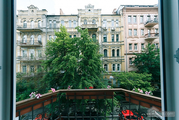Cozy apartment on Khreschatyk, Due Camere (79121), 003