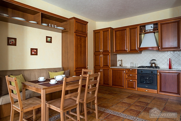 Club house, Trois chambres (33714), 002