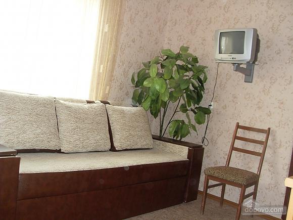 House in Berdyansk, Dreizimmerwohnung (25766), 002