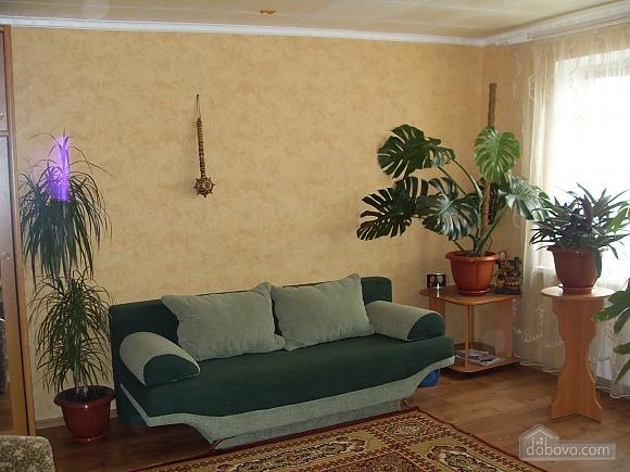 House in Berdyansk, Dreizimmerwohnung (25766), 001