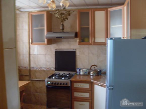 House in Berdyansk, Dreizimmerwohnung (25766), 004