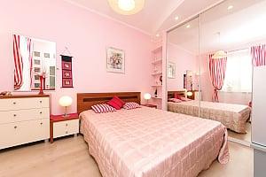 Шикарная квартира возле Крещатика, 3х-комнатная, 001