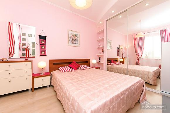Чудова квартира біля Хрещатика, 3-кімнатна (43601), 001