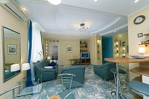 Чудова квартира біля Хрещатика, 3-кімнатна, 004