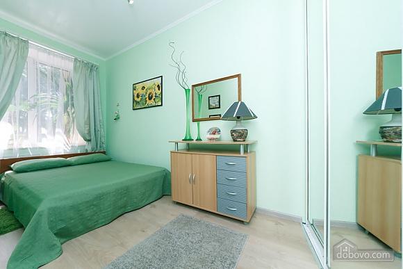 Чудова квартира біля Хрещатика, 3-кімнатна (43601), 010