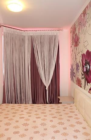 Затишна квартира в Чудо-Місті, 3-кімнатна, 004