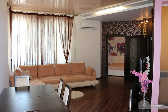 Comfortable apartment in Magic-City, Deux chambres (74197), 008