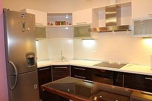 Затишна квартира в Чудо-Місті, 3-кімнатна, 015