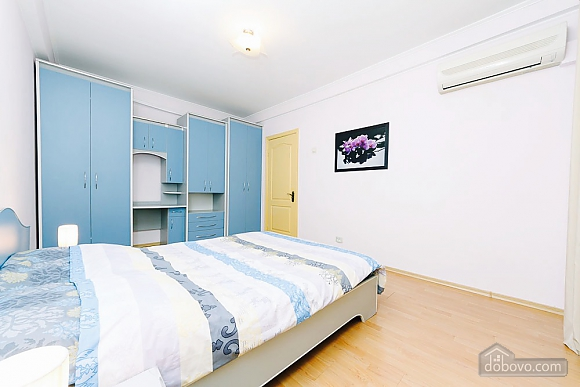 Apartment in the city center, Un chambre (92112), 005