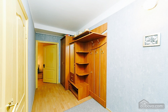 Apartment in the city center, Un chambre (92112), 010