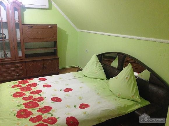 Затишна квартира, 3-кімнатна (49686), 005