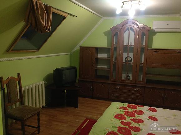 Затишна квартира, 3-кімнатна (49686), 006