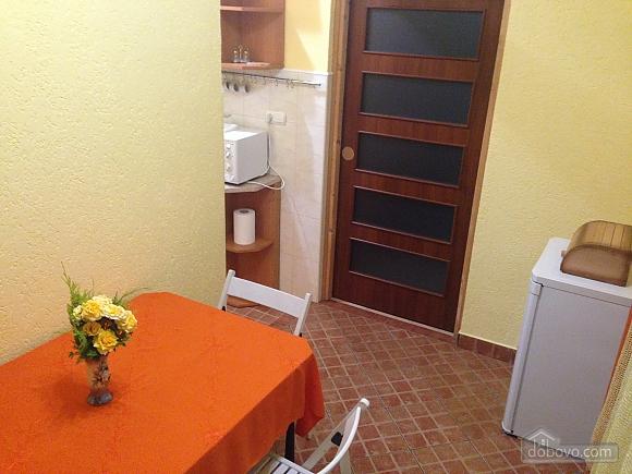 Затишна квартира, 3-кімнатна (49686), 008
