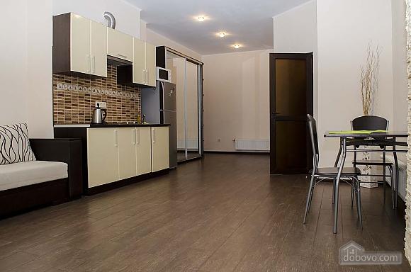 Стильная квартира возле моря в Аркадии, 2х-комнатная (86885), 004