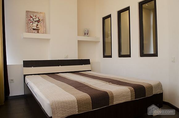 Стильная квартира возле моря в Аркадии, 2х-комнатная (86885), 002