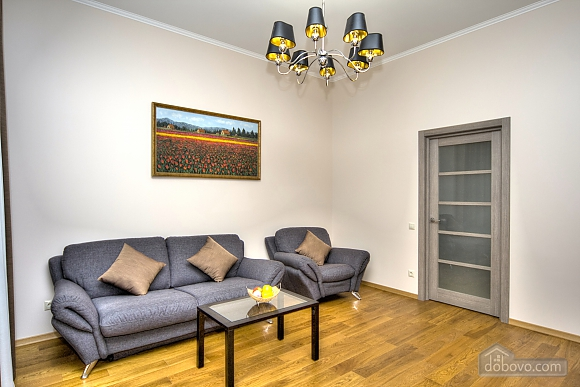 Apartment with 2 bedrooms and balcony near Maidan, Two Bedroom (80306), 004