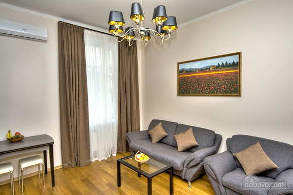 Apartment with 2 bedrooms and balcony near Maidan, Two Bedroom (80306), 005