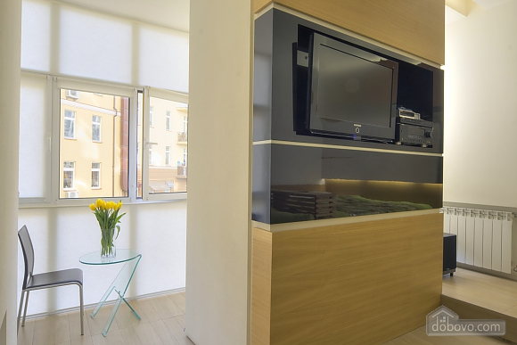 Studio apartment with jacuzzi near Maidan, Studio (55860), 003