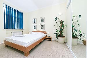 Квартира біля Хрещатика, 2-кімнатна, 001