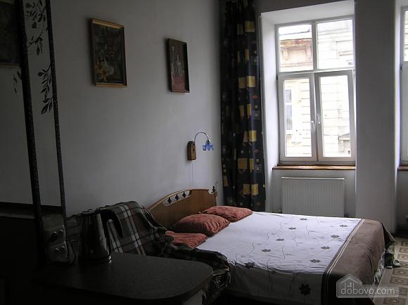Studio on the ancient street, Studio (24941), 001