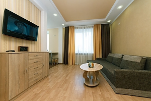 Luxury on Pechersk, One Bedroom, 004