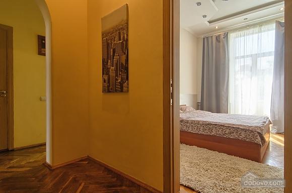 Видова квартира в центрі Києва, 2-кімнатна (51577), 006