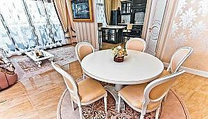 Luxury Arcadia, Two Bedroom, 001