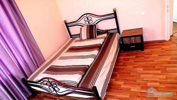 Апартаменты в Сабуртало, 3х-комнатная (37468), 002