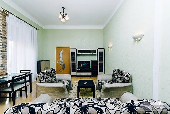 Квартира с евроремонтом, 2х-комнатная (25507), 004