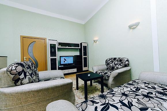 Квартира с евроремонтом, 2х-комнатная (25507), 005