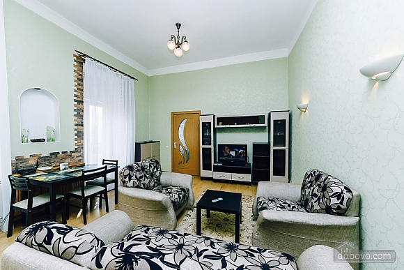 Квартира с евроремонтом, 2х-комнатная (25507), 006