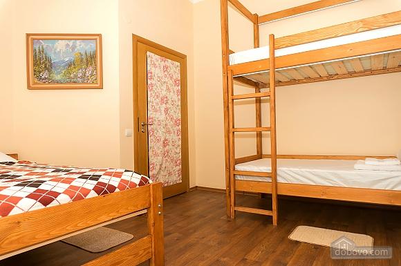 Хостел Hopsoda, 1-комнатная (38969), 019