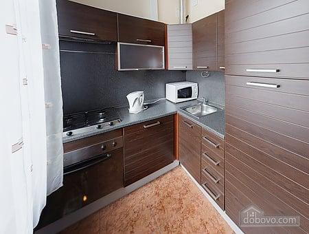 Просторная квартира в центре, 2х-комнатная (13738), 007