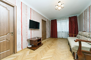 Apartment near KPI and Lukianivska stations , Dreizimmerwohnung, 001