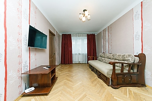 Apartment near KPI and Lukianivska stations , Two Bedroom, 002