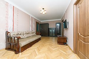 Apartment near KPI and Lukianivska stations , Dreizimmerwohnung, 004