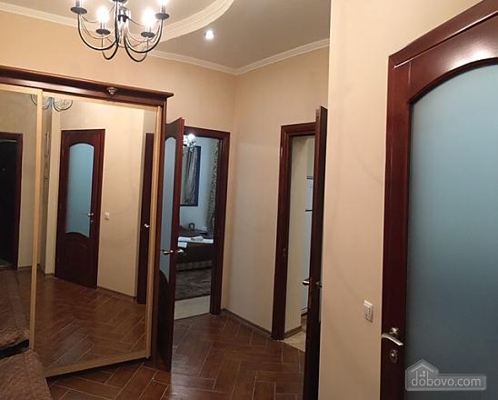 Уютная квартира в Одессе, 2х-комнатная (76987), 004