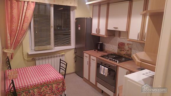 Apartment close to KPI metro station, Due Camere (19040), 001