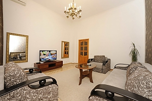 Excellent apartment in the city center near Nezalezhnosti Square and Khreschatyk, Una Camera, 004