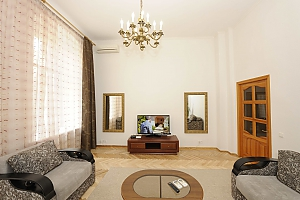 Excellent apartment in the city center near Nezalezhnosti Square and Khreschatyk, Una Camera, 003