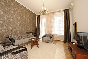 Excellent apartment in the city center near Nezalezhnosti Square and Khreschatyk, Una Camera, 002