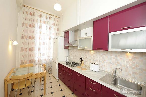 Excellent apartment in the city center near Nezalezhnosti Square and Khreschatyk, One Bedroom (17393), 011