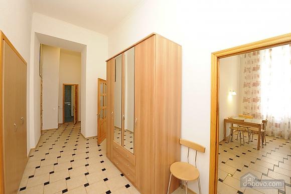Excellent apartment in the city center near Nezalezhnosti Square and Khreschatyk, One Bedroom (17393), 017