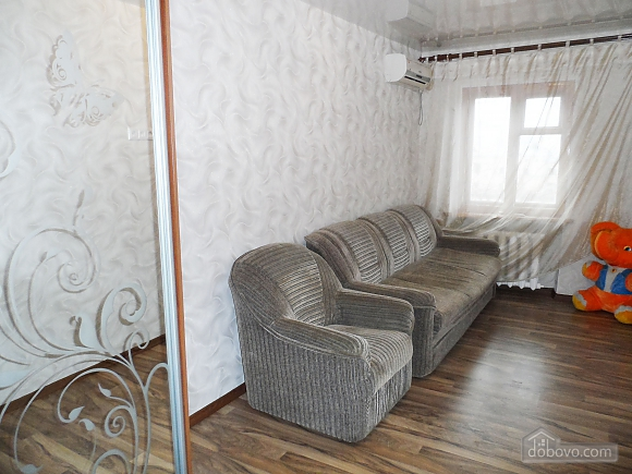 With renovation near the metro station, Due Camere (46426), 003