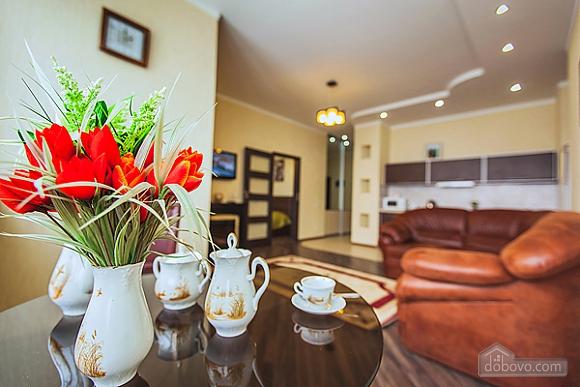 Шикарная квартира в новом доме, 2х-комнатная (62400), 005