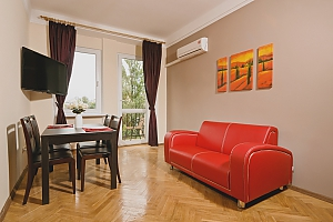 Apartment with balcony on Kreschatyk, Two Bedroom, 001