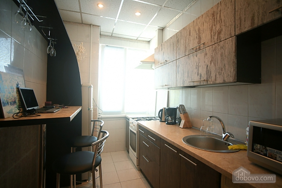 Квартира с балконом на Крещатике, 3х-комнатная (85311), 005
