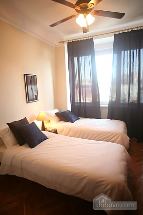 Квартира з балконом на Хрещатику, 3-кімнатна (85311), 006